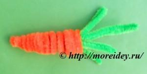Поделки из пушистой синельной проволоки, поделка морковь, pipe-cleaner carrot