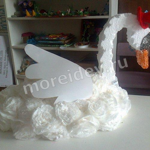 Объемный лебедь из салфеток