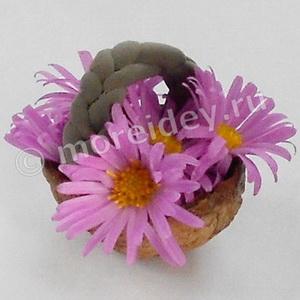 корзинка - поделка из ореховой скорлупы