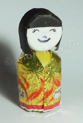 Японские игрушки: кукла кокэси (кокеши)
