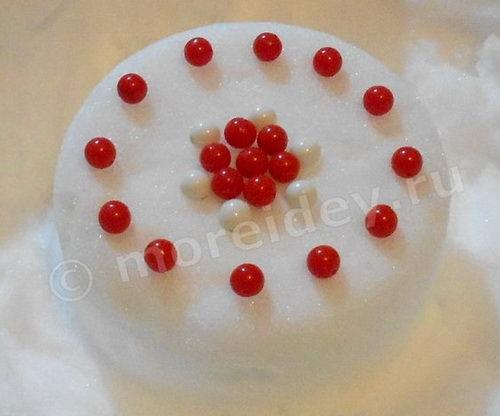 Зимние игры для девочек: пирог из снега
