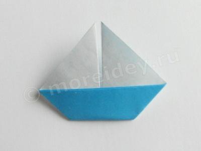 оригами лодка с парусом