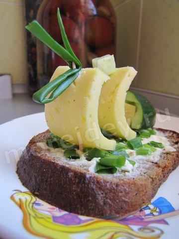 Бутерброд с сыром на праздничный стол фото