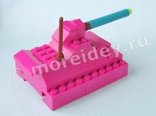 танк из Лего