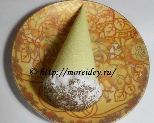 Мороженое — рожок (поделка из салфеток)