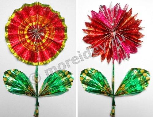 Детские поделки. Как сделать цветы из фантиков