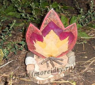 Поделки из природного материала, поделки из листьев, поделка костер, осенние поделки