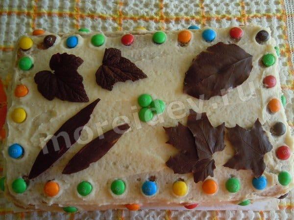 шоколадные листья на торт
