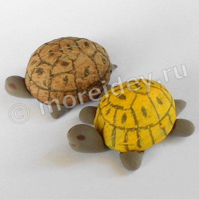 поделка из ореховой скорлупы: черепаха