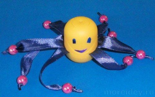 Поделка осьминог из киндер-сюрприза