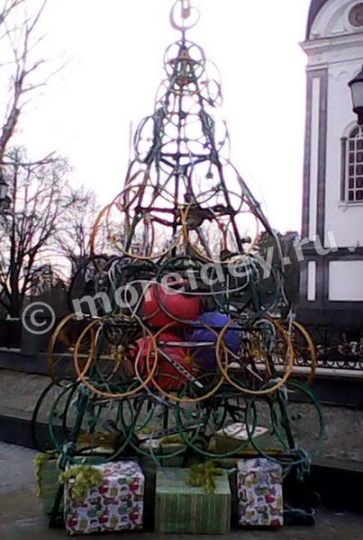 Необычные елки. Елочка из велосипедных колес