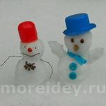 Зимние игры со снегом: маленькие забавные снеговики