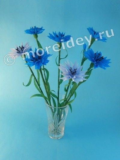 Цветы васильки из гофрированной бумаги