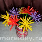 """Букет """"астрочки"""" - поделка с цветами из бросового материала"""