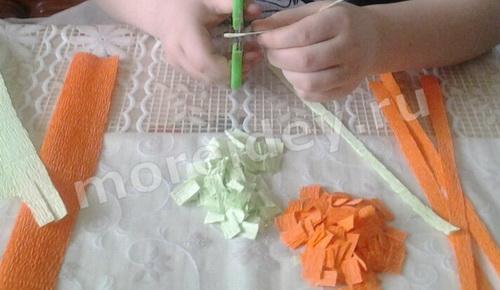 как сделать цветы из гофрированной бумаги мастер класс пошаговый с фото