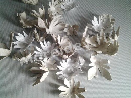 Поделки из яичного лотка: цветы. Мастер класс с пошаговыми фото