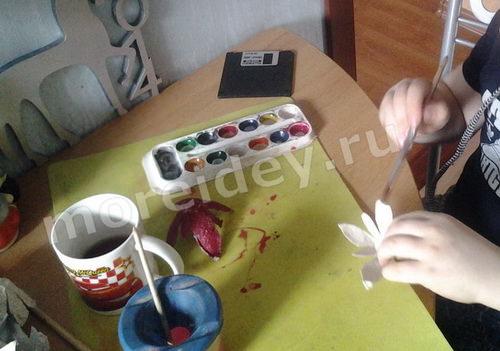 Цветочный венок из яичного лотка своими руками мастер-класс