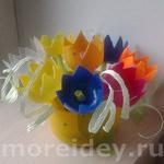 Поделки из киндер-сюрпризов: цветочная полянка