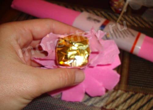 Как сделать куклу из конфет
