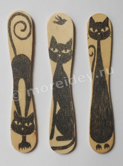 Поделки с кошками: красивые необычные закладки из палочек от мороженого фото