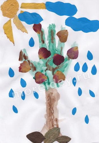 Поделки из ладошек: аппликация дерево
