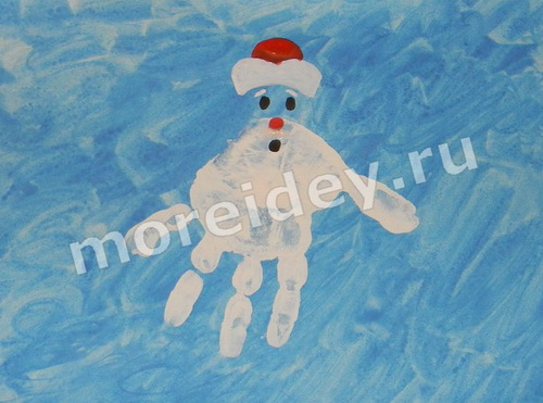 Дед Мороз - рисунок из отпечатков ладошек
