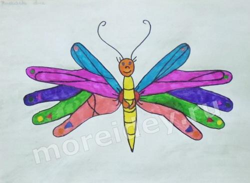 Рисунки детскими ладошками: бабочка