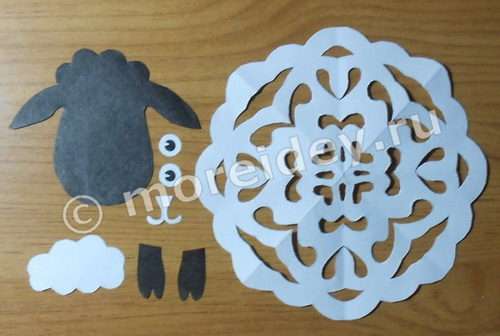 Необычная снежинка - овечка