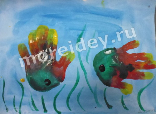 Рыбки - рисунок ладошками