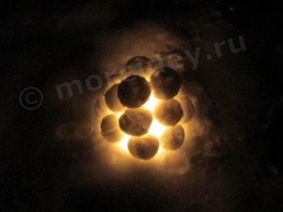 фонарик из снежков