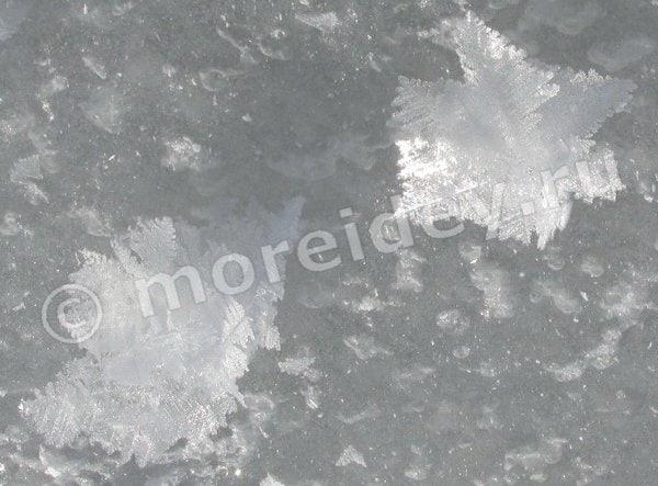 объемные снежинки на льду