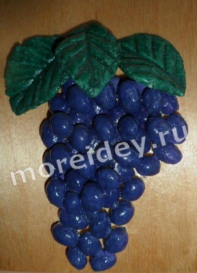 Фрукты и ягоды: виноград из соленого теста своими руками