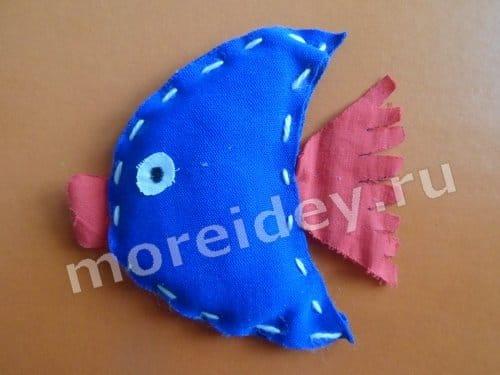 Игольница рыбка своими руками фото