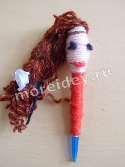 Шариковая ручка из ниток