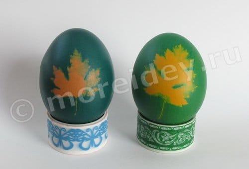 окраска яиц с листиками