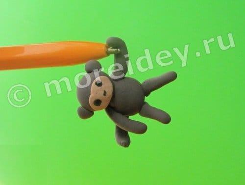 обезьяна из пластилина