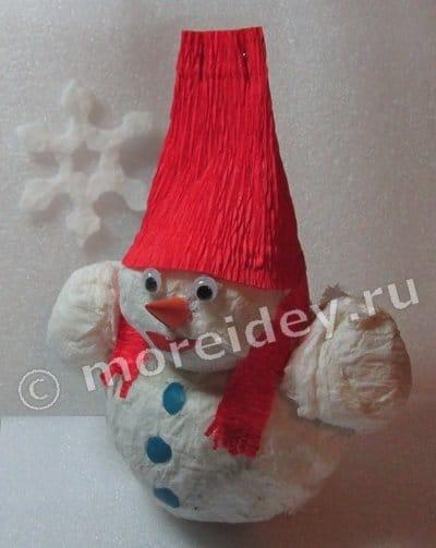 Снеговик из газеты
