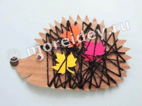 детская поделка в садик ежик из картона и ниток своими руками